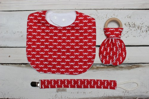 Bib, teething and pacifier clip set