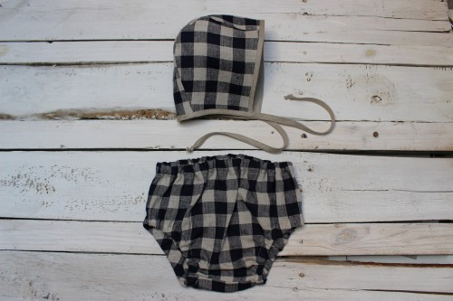 Navy Blue gingham Linen bloomers and bonnet for babies first Christmas, Baby Boy Cake Smash Outfit, blue linen checkered diaper cover
