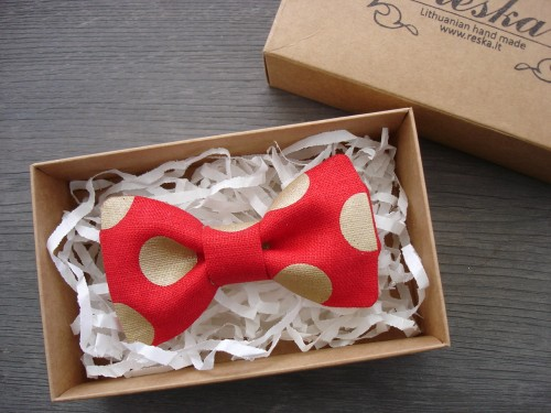 Red linen bow tie with dots